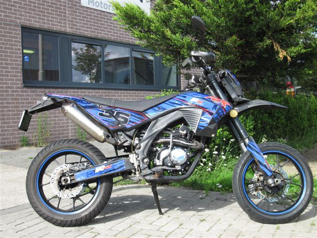 RX50 streetlegal 50cc black-blue (2nd hand)