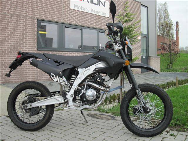 AGB-30 50cc silver-black edition  (SPECIAL VERSION)